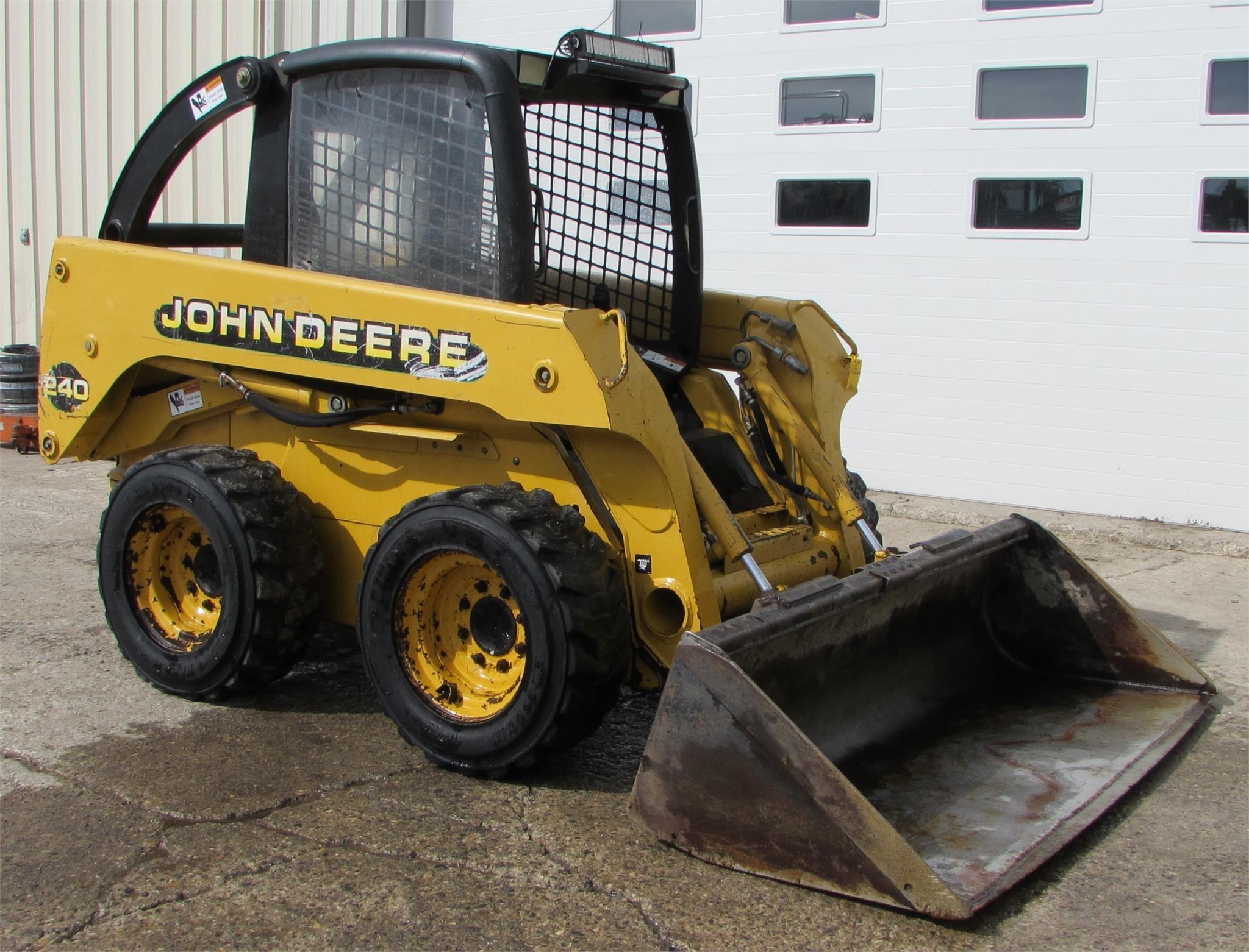 1999 Deere 240 Skid Steer