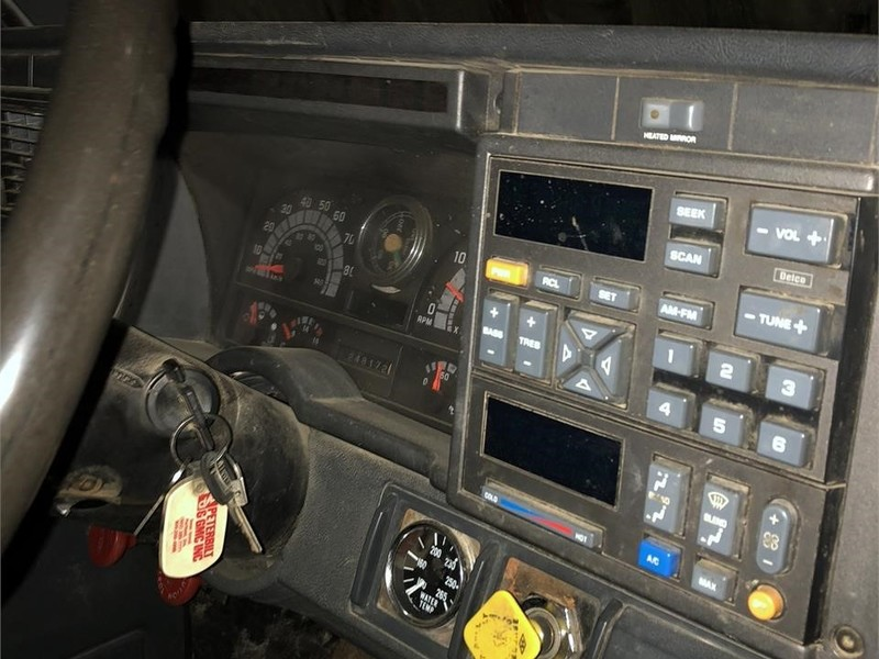 1995 GMC TopKick C7500 Semi Truck