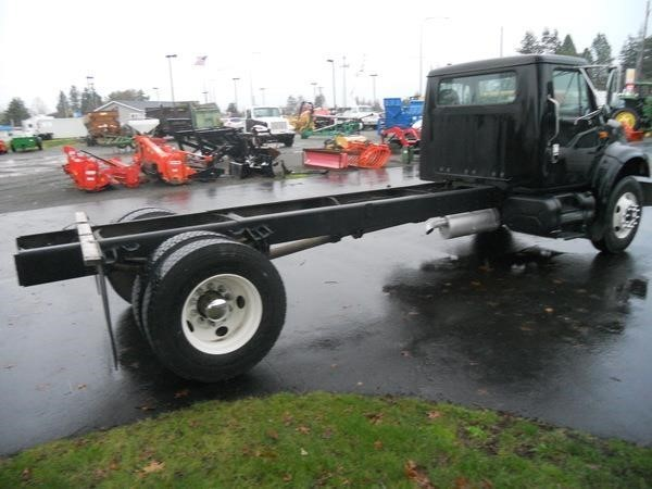 1997 International 4700 Semi Truck