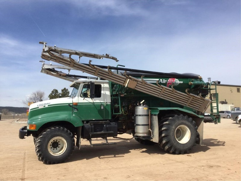 2002 Loral Easy Rider 4000SS Self-Propelled Fertilizer Spreader