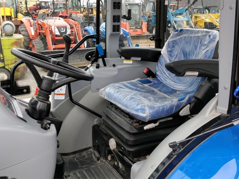 2016 New Holland Boomer 47 Tractor