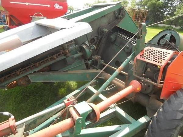 1978 New Idea 324 Corn Picker