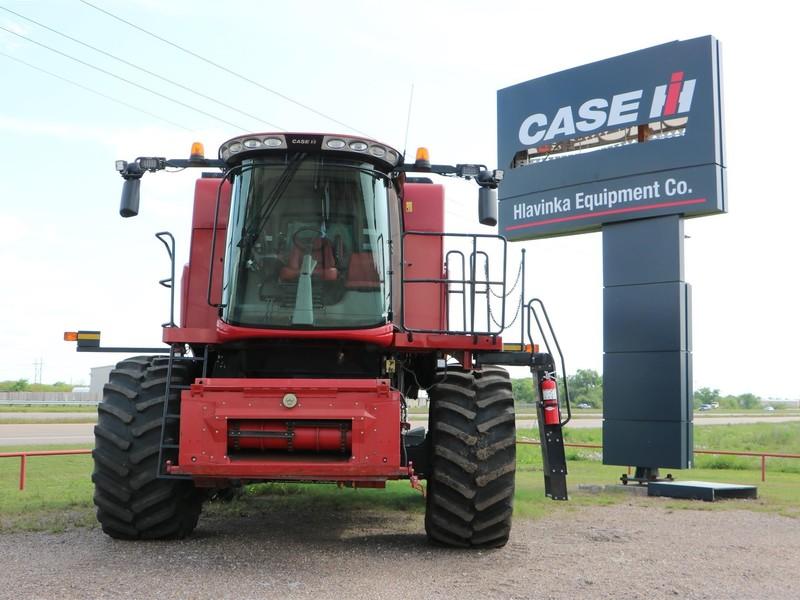 2016 Case IH 5140 Combine