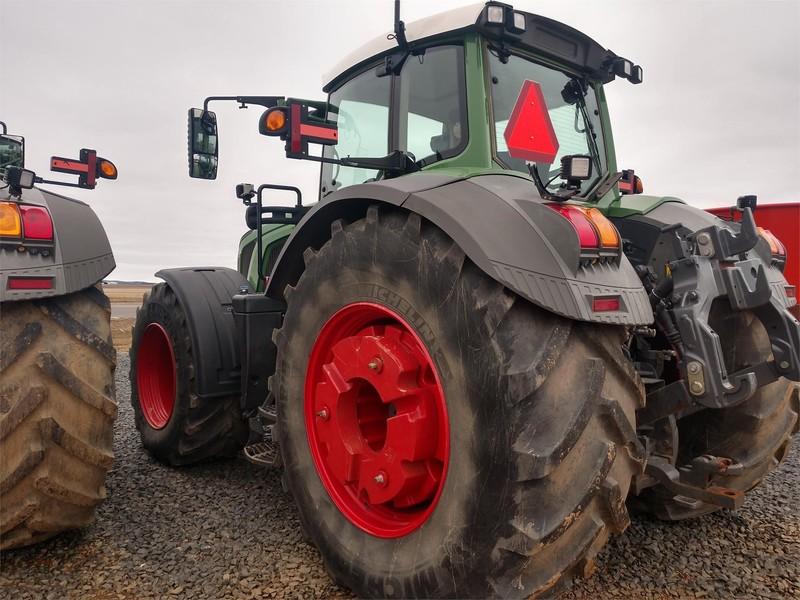 2015 Fendt 933 Vario Tractor