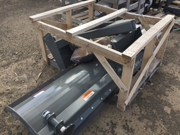 2016 Worksaver SBS27108A Loader and Skid Steer Attachment