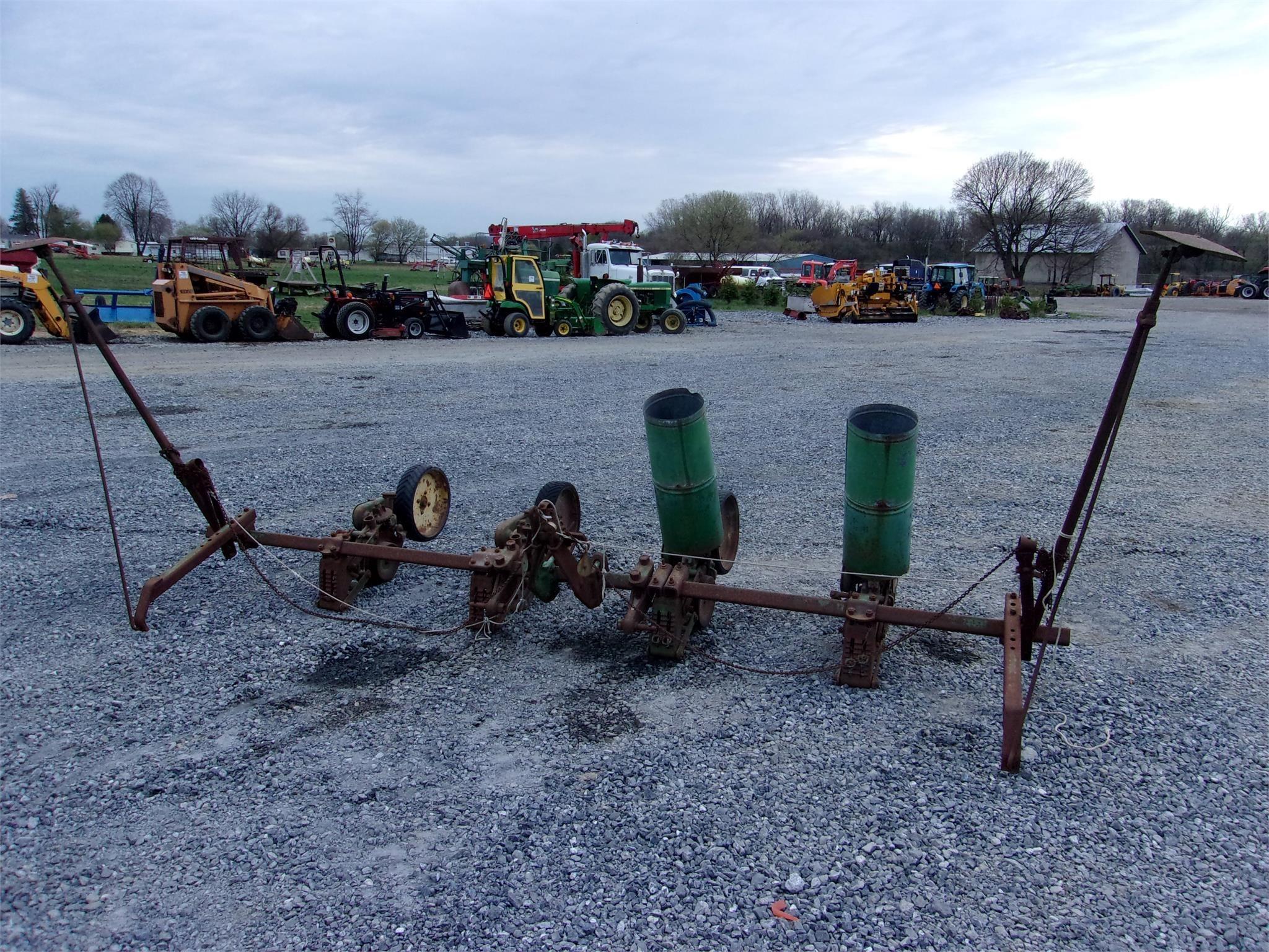 John Deere 290 Planter