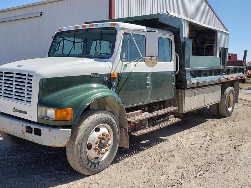 International 4700 Semi Truck