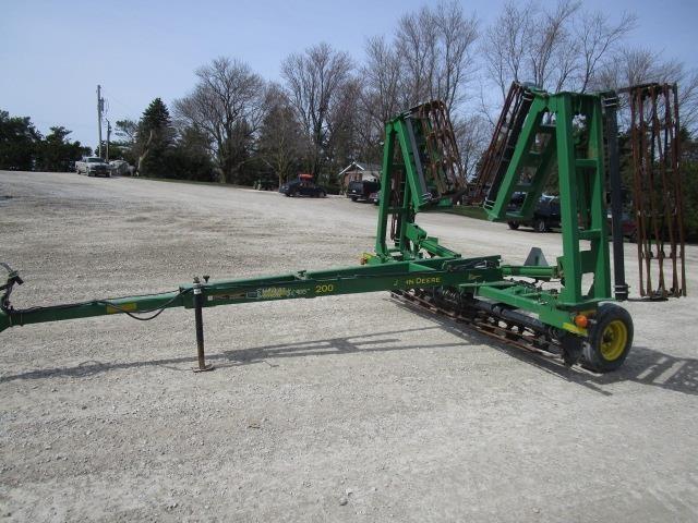 John Deere 200 Soil Finisher