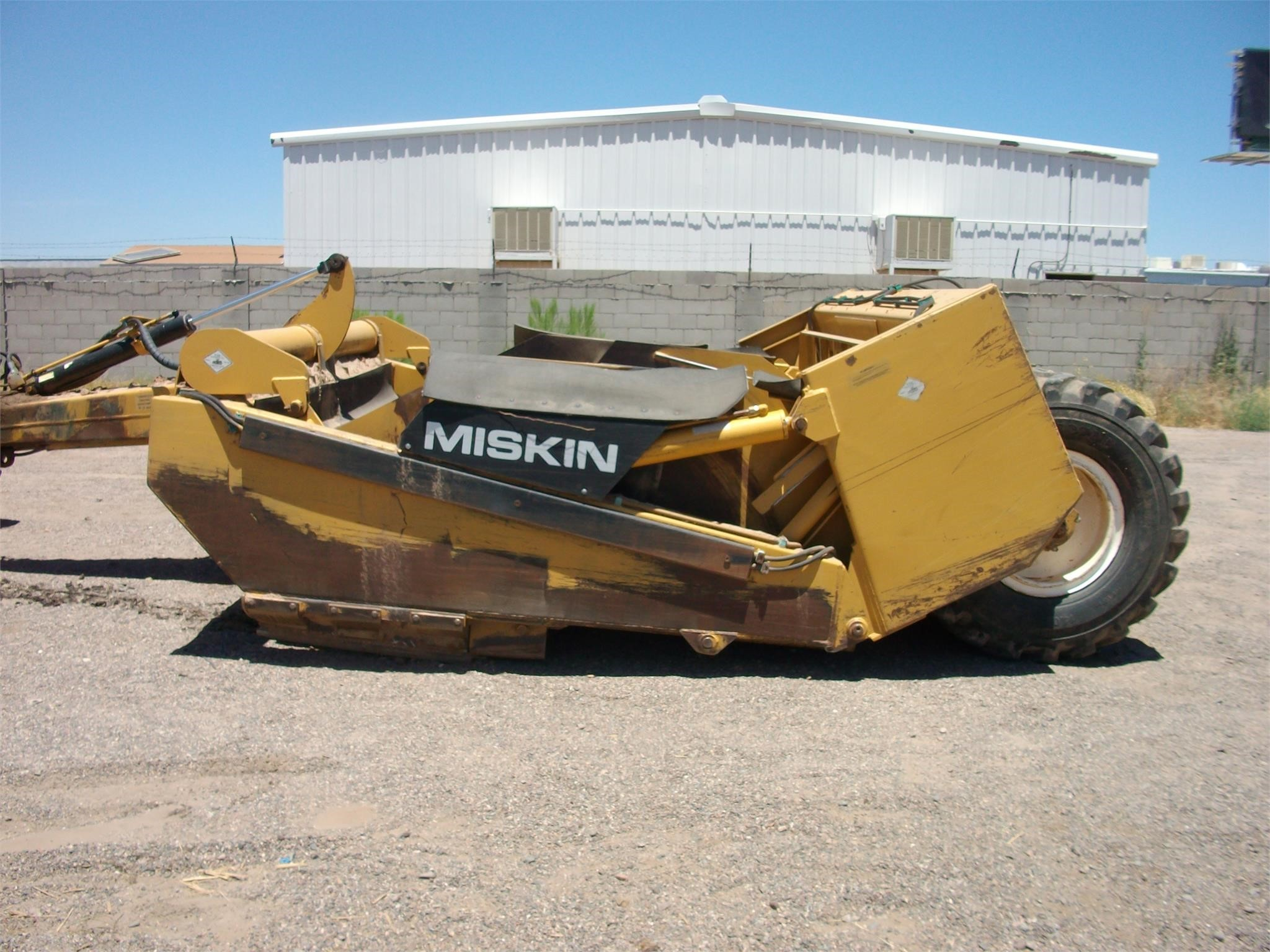 2004 Miskin D18 Scraper