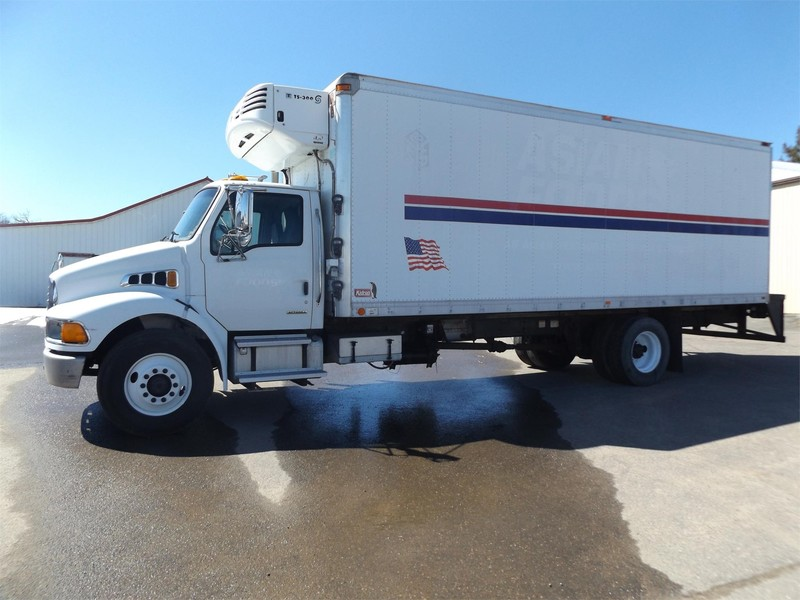 2006 Sterling ACTERRA Semi Truck