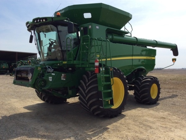 John Deere S680 Combines for Sale | Machinery Pete