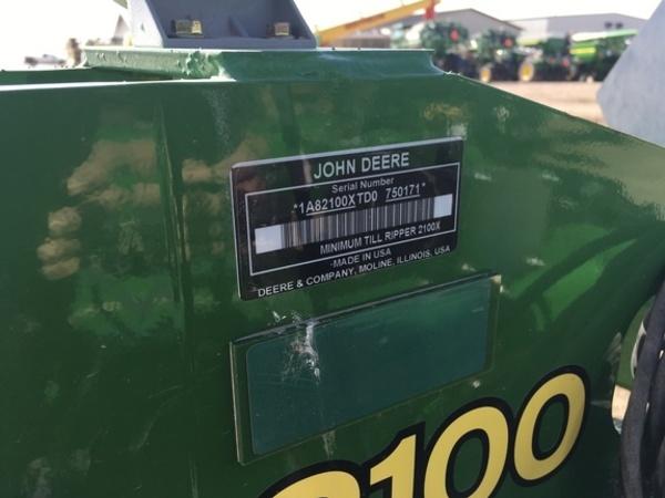 2013 John Deere 2100 In-Line Ripper