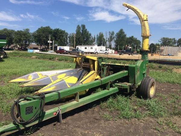 1985 John Deere 3970 Pull-Type Forage Harvester