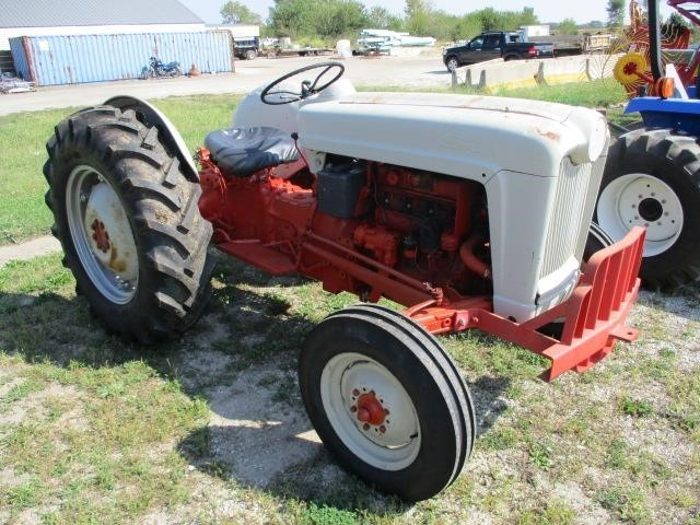 1955 Ford 850 Tractor