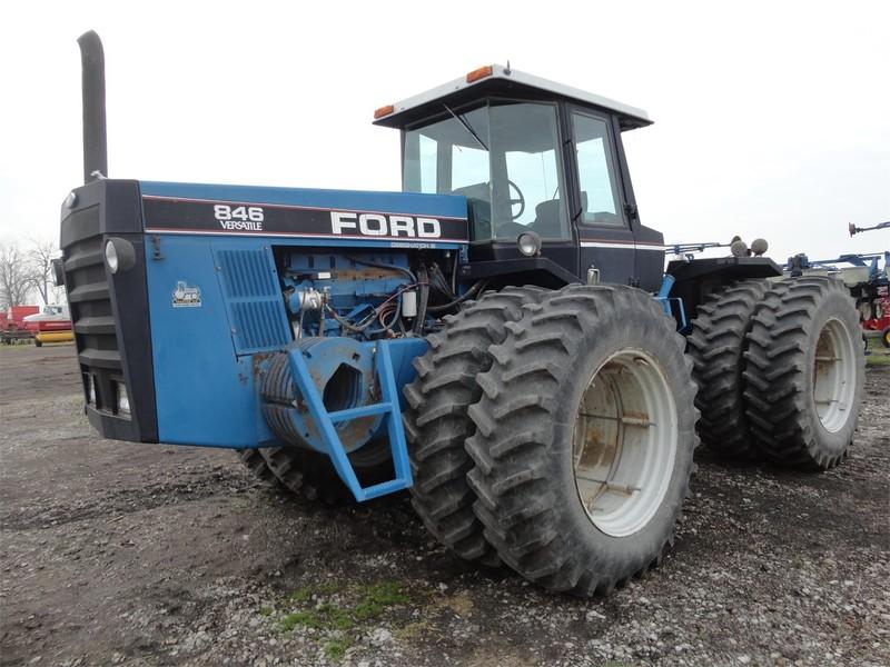 Versatile 846 Tractor