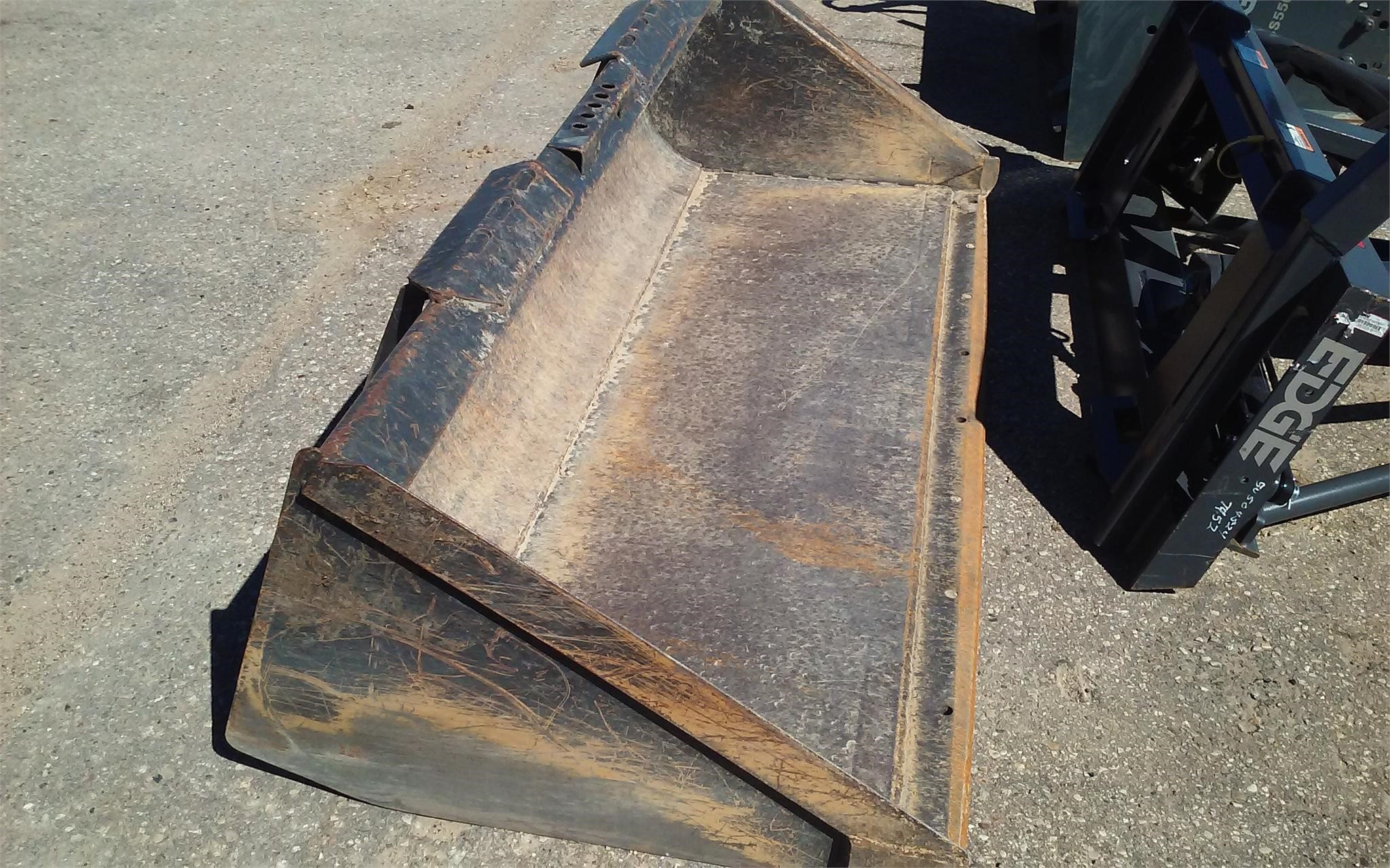 """New Holland 78"""" Loader and Skid Steer Attachment"""