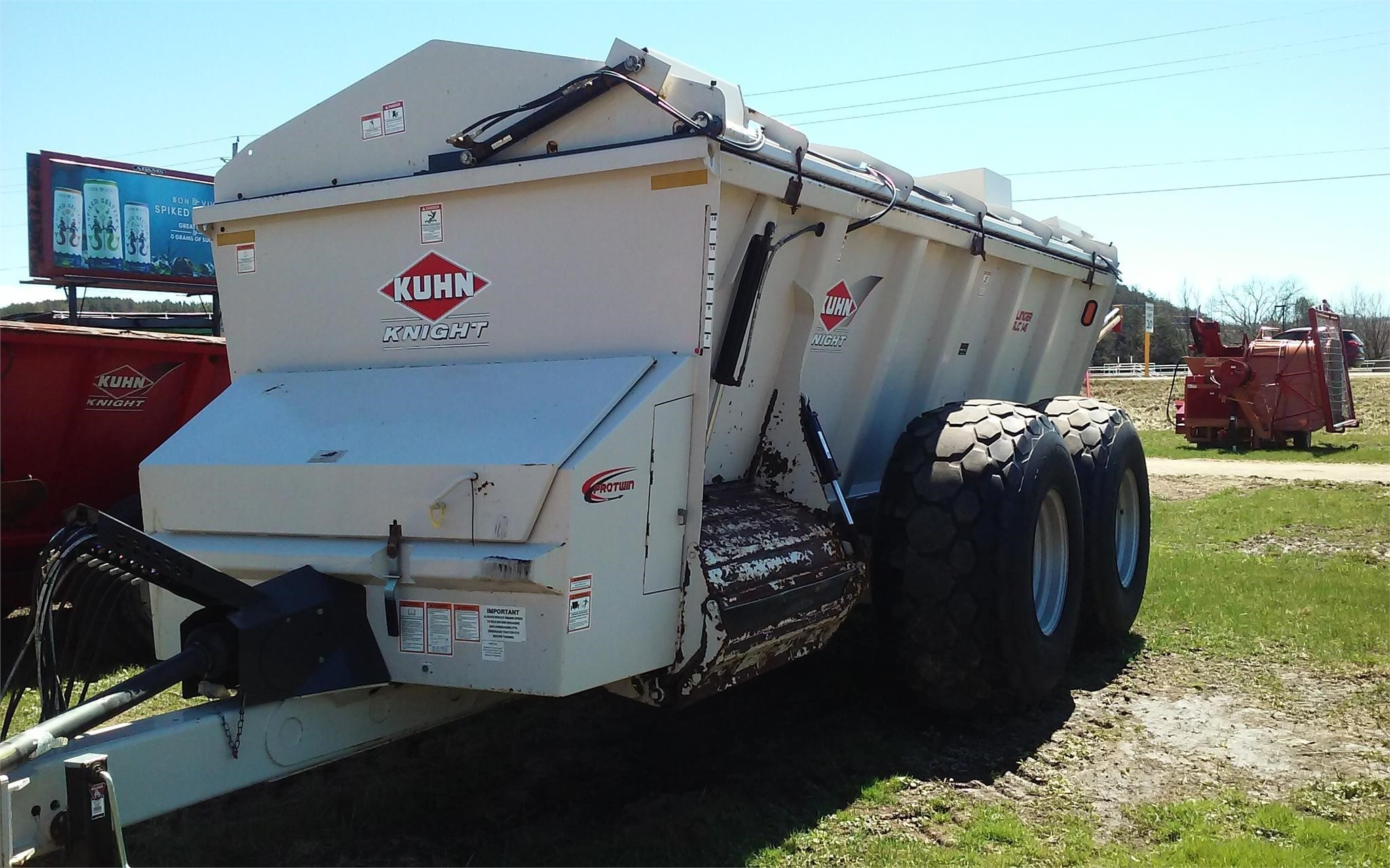 2017 Kuhn Knight SLC141 Manure Spreader