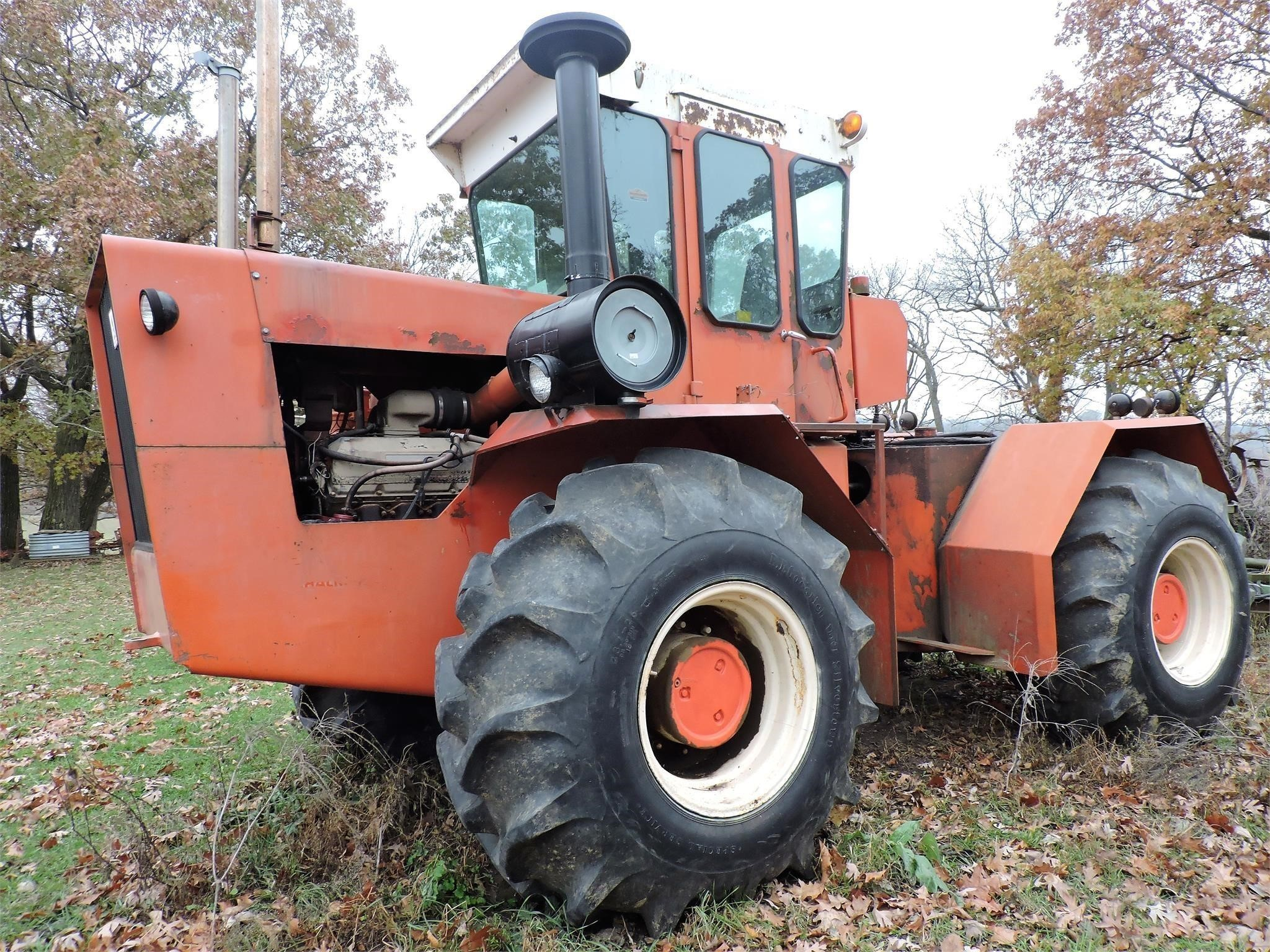 1975 Allis Chalmers 440 Tractor