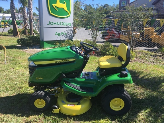 2021 John Deere X330 Lawn and Garden
