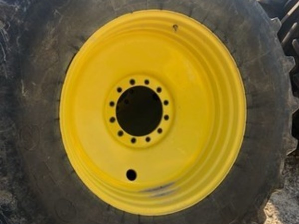 2015 Firestone 650/65R38 Wheels / Tires / Track