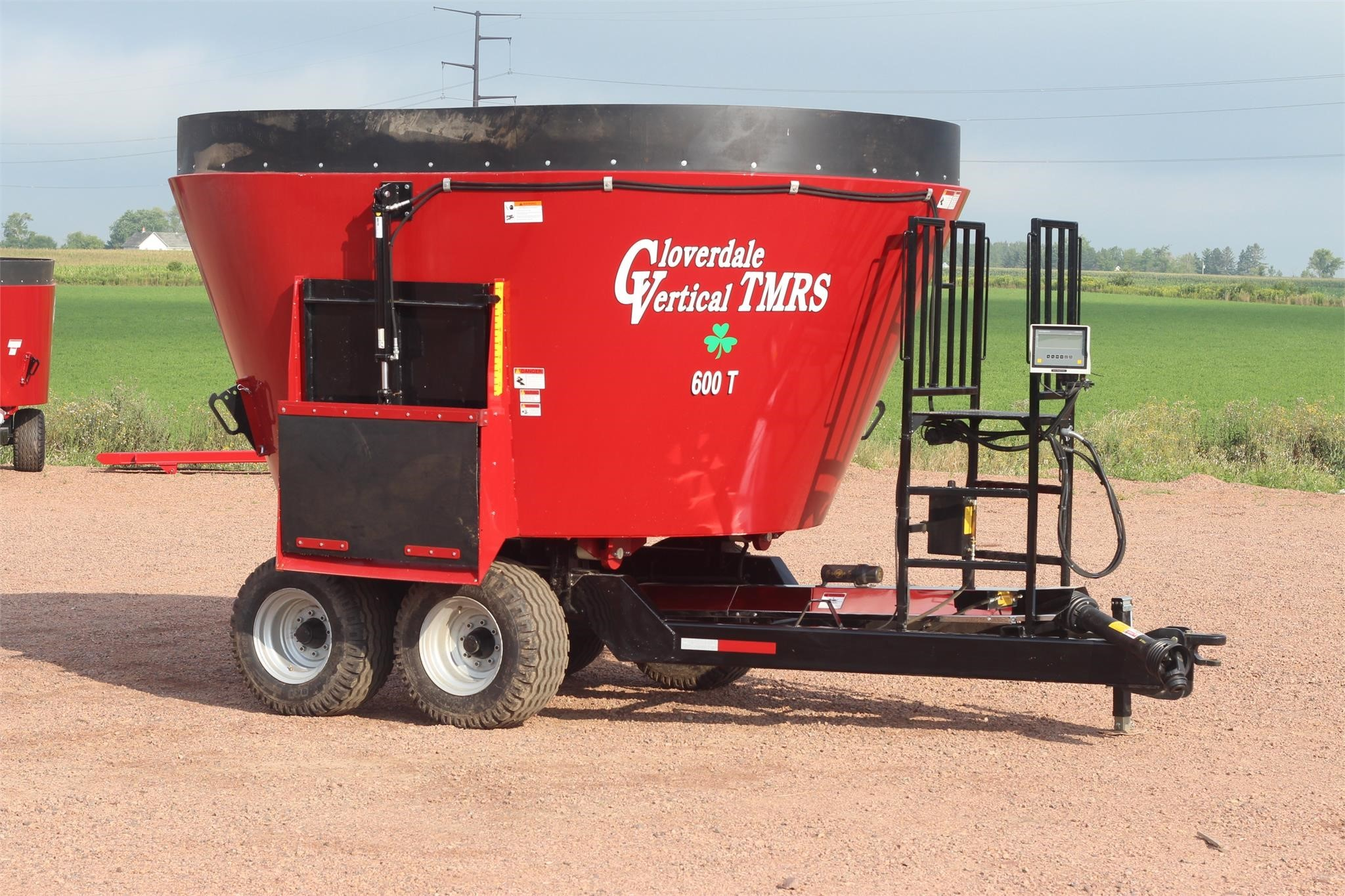 2021 Cloverdale 600T Grinders and Mixer