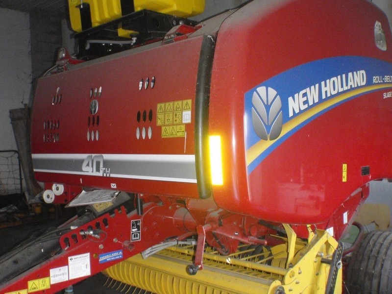 Used New Holland Roll-Belt 450 Round Balers for Sale