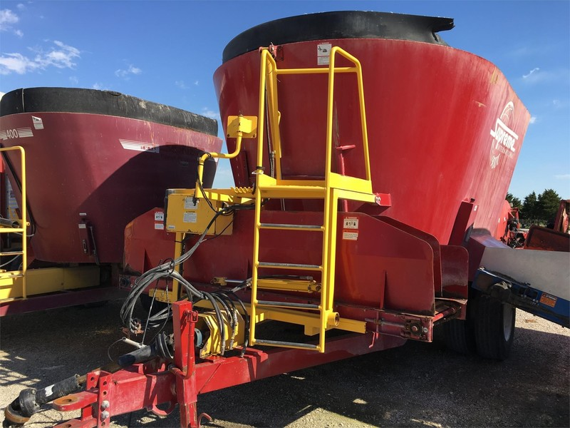 2011 Supreme International 900T Grinders and Mixer