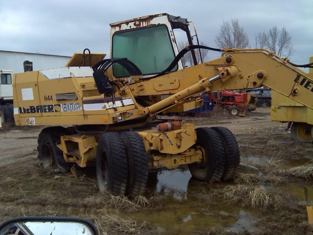 Liebherr A902 Excavators and Mini Excavator