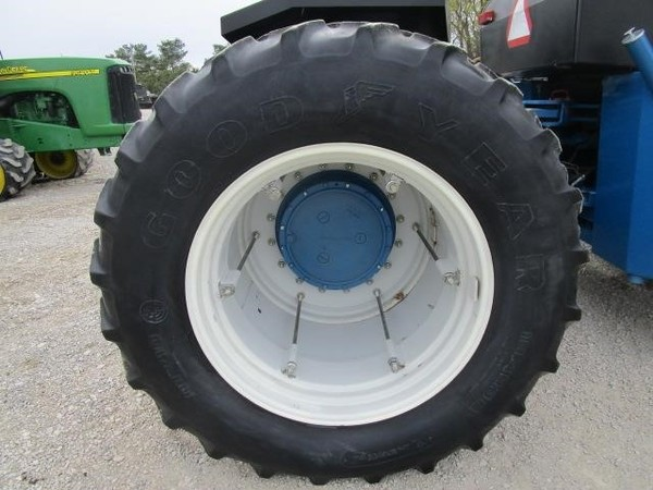 1991 Ford Versatile 846 Tractor