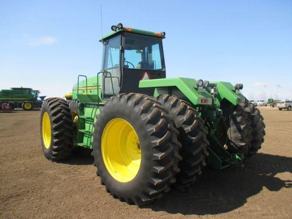 1995 John Deere 8770 Tractor