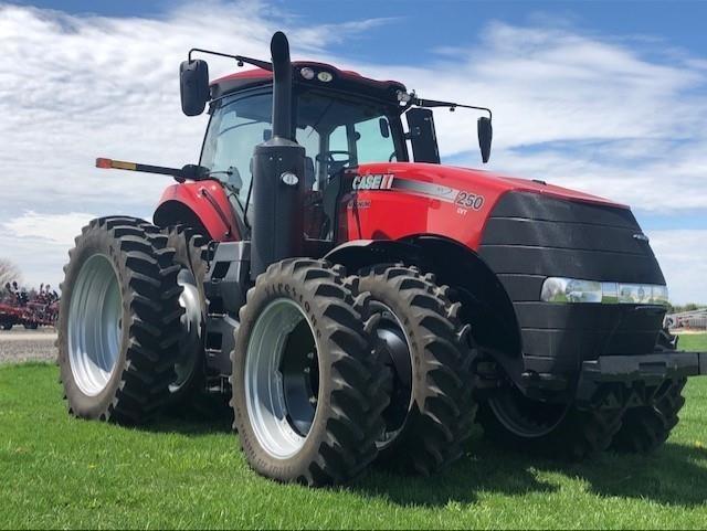 2017 Case IH Magnum 250 CVT Tractor