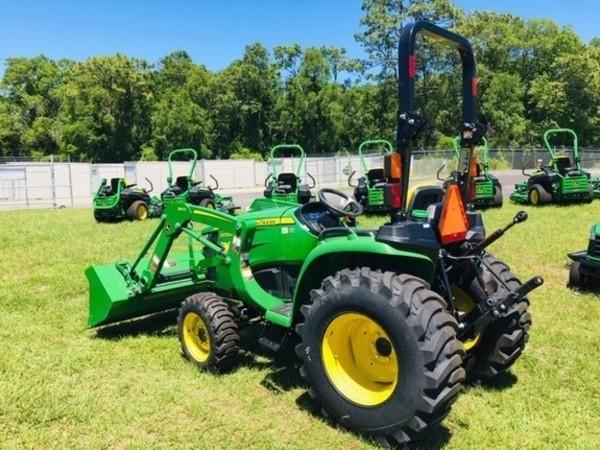 2018 John Deere 3032E Tractor