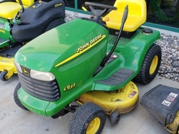 John Deere LT133 Lawn and Garden for Sale | Machinery Pete