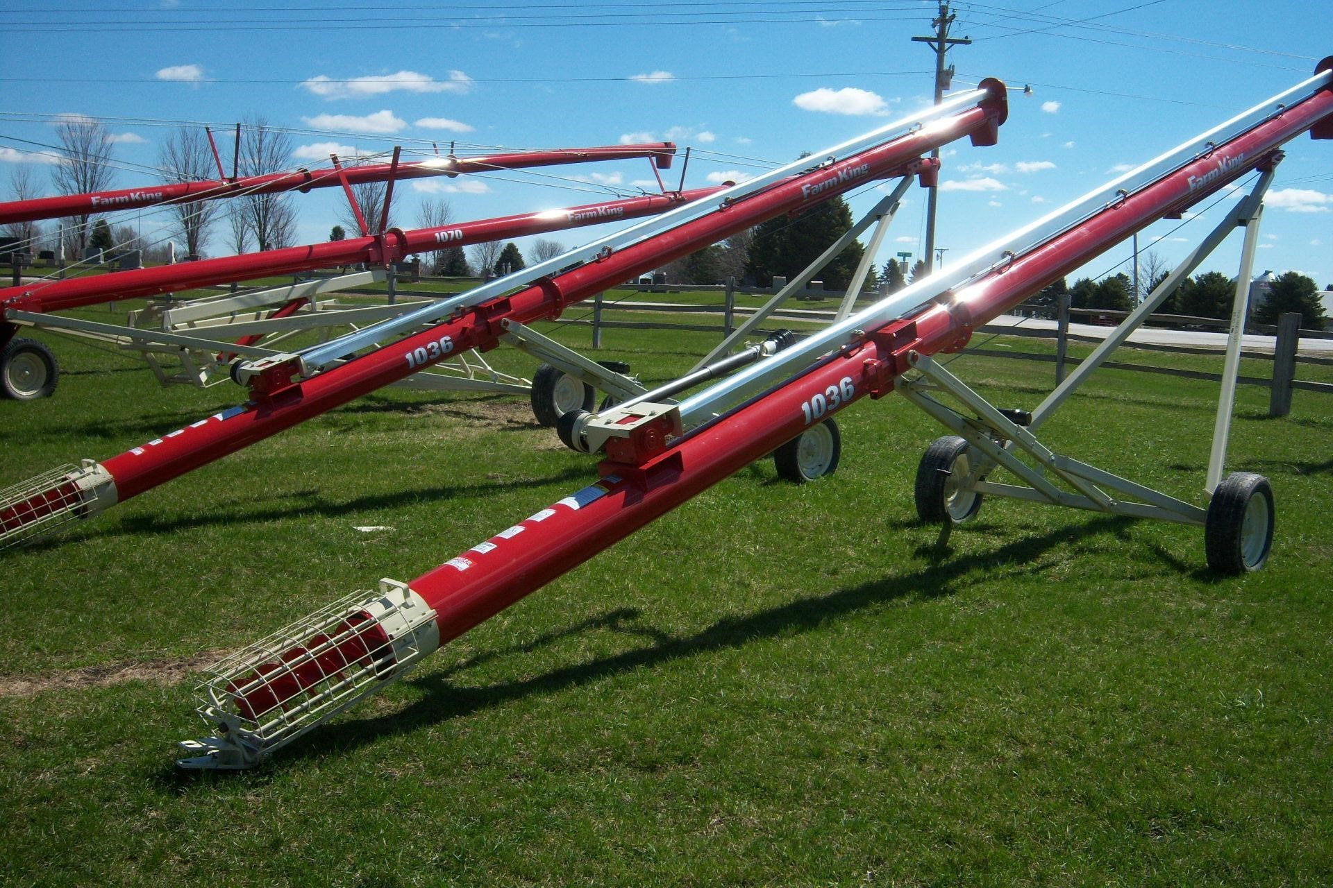 2019 Farm King 1036 Augers and Conveyor