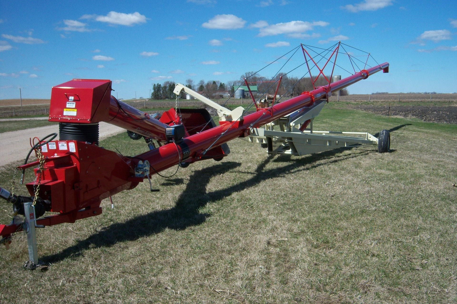 2021 Farm King 1395 Augers and Conveyor