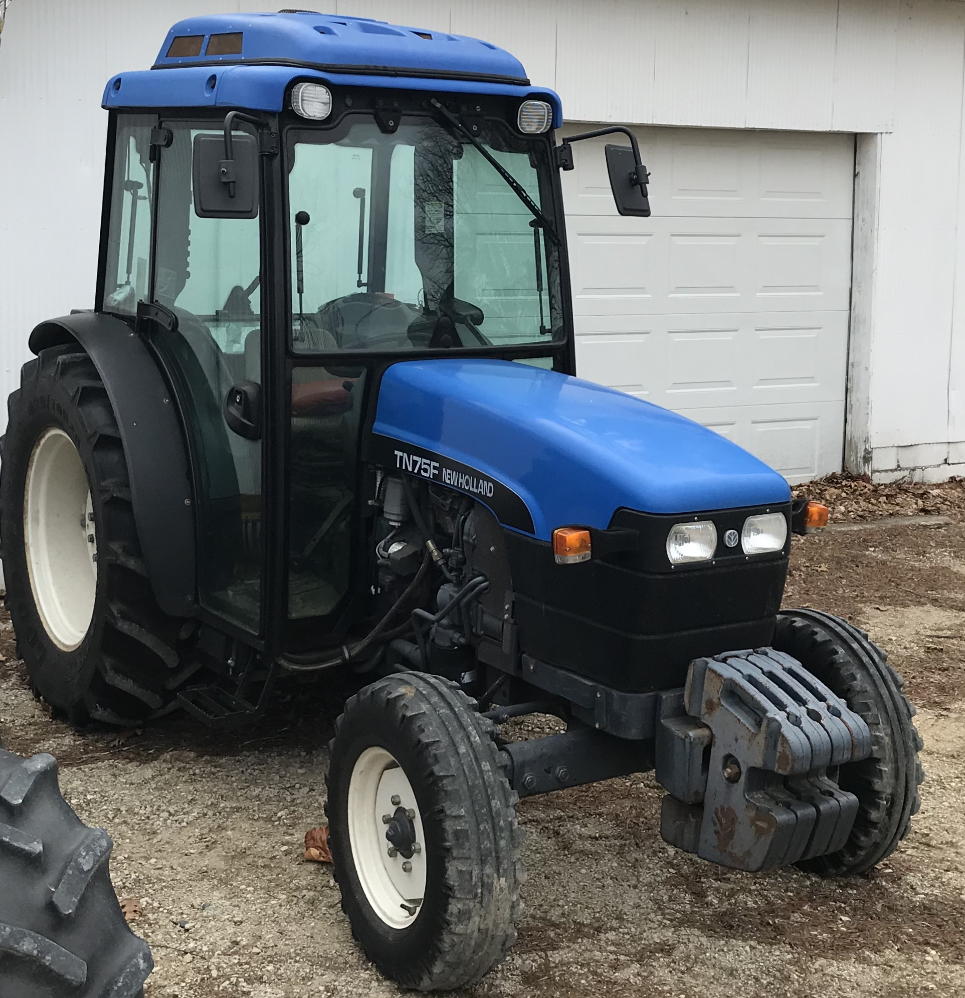 New Holland TN75F Tractor
