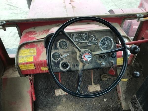 1972 Buhler Versatile 900 Tractor