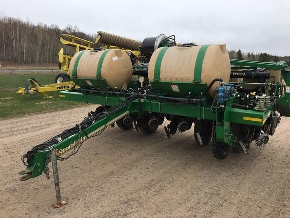 2015 Great Plains YP625A-12TR Planter