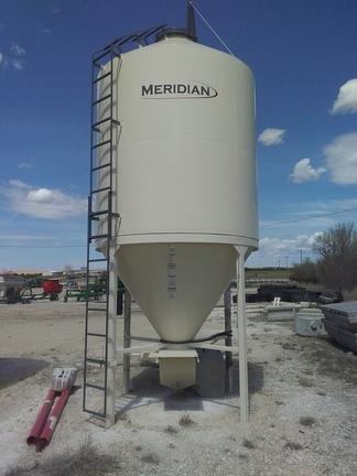 2018 Meridian 808 Feed Bin