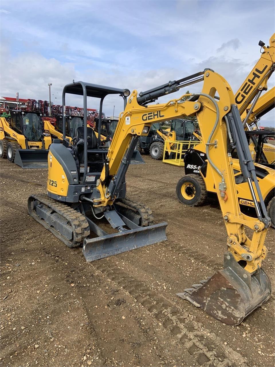 2018 Gehl Z25 Excavators and Mini Excavator
