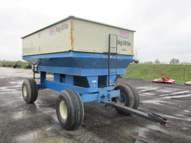 DMI D390 Gravity Wagon
