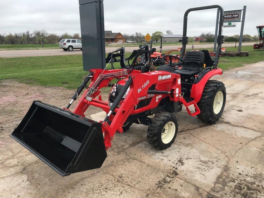 2018 Branson 2510H Tractor
