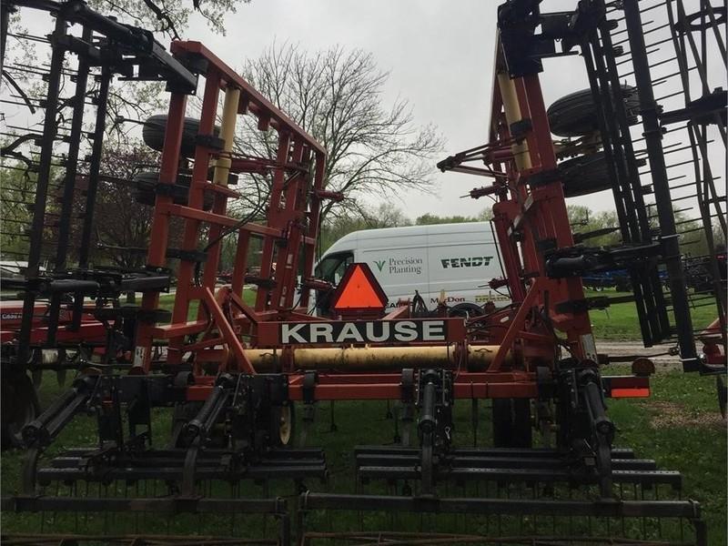 2007 Krause Landsman TL6200-27 Soil Finisher