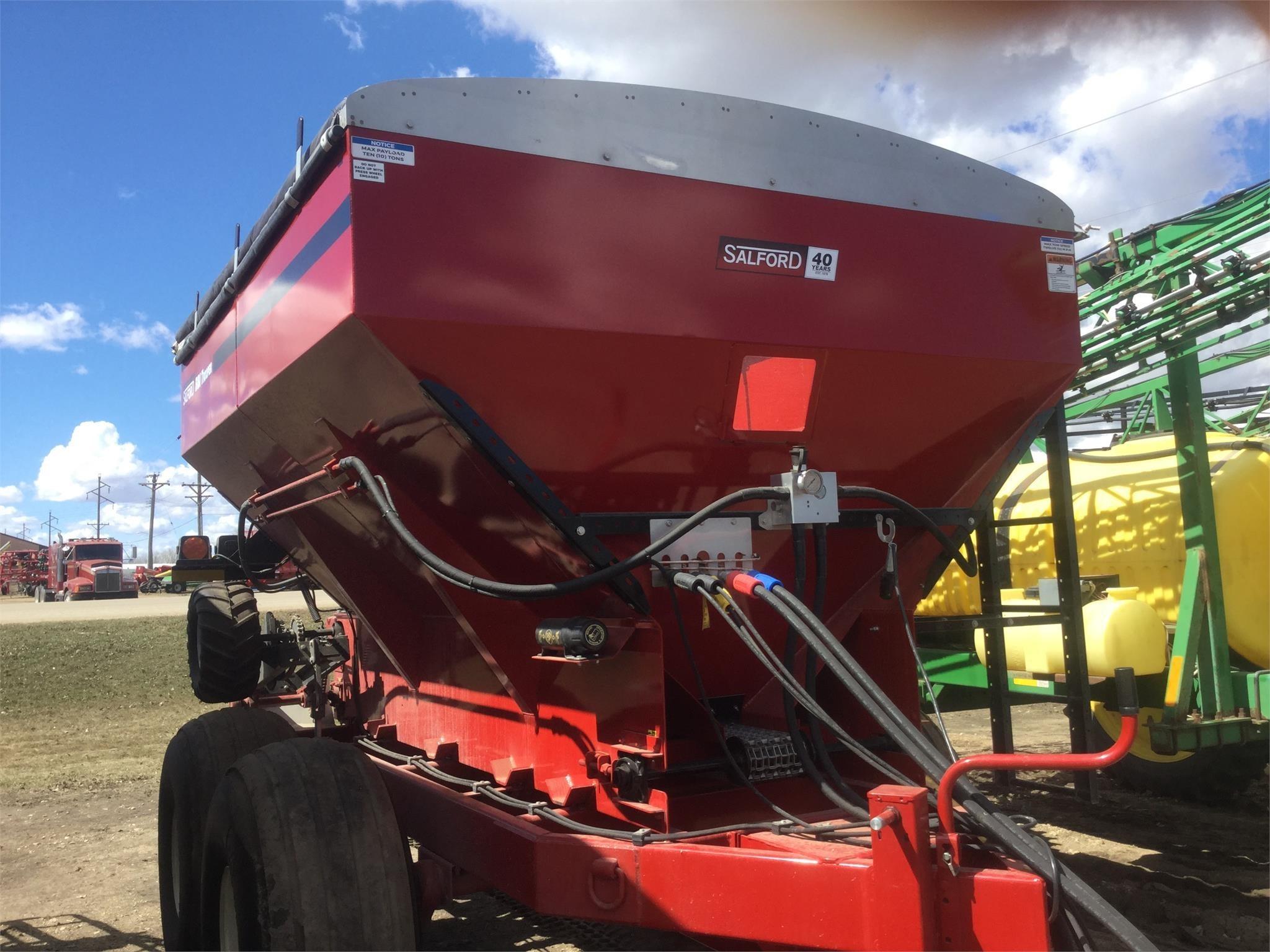 2018 Salford BBI TROOPER Pull-Type Fertilizer Spreader