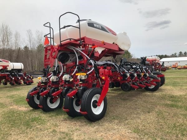 2019 White 9816VE Planter
