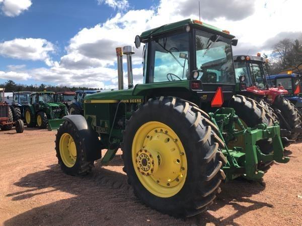 1990 John Deere 4555 Tractor