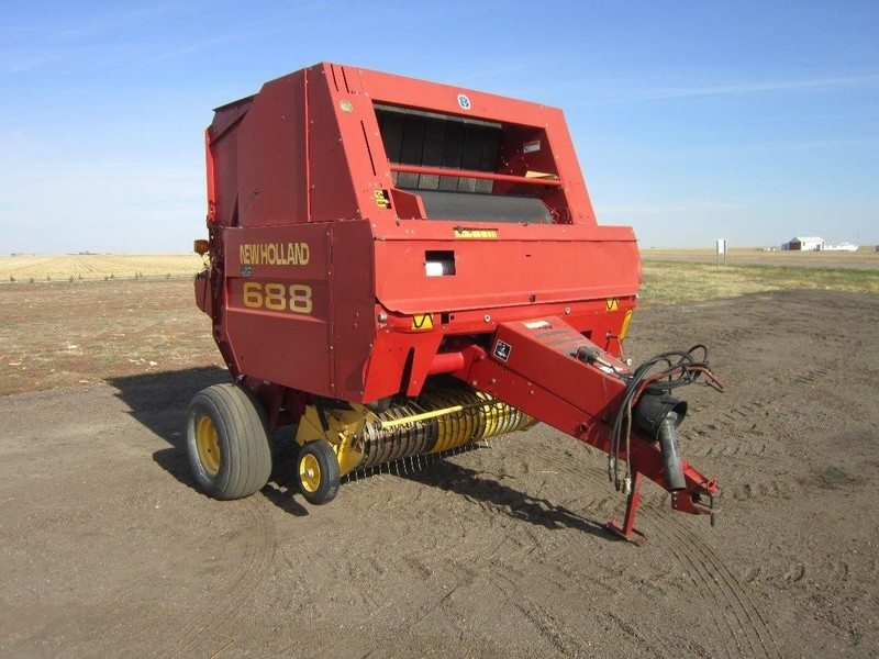 Used New Holland 688 Round Balers for Sale | Machinery Pete
