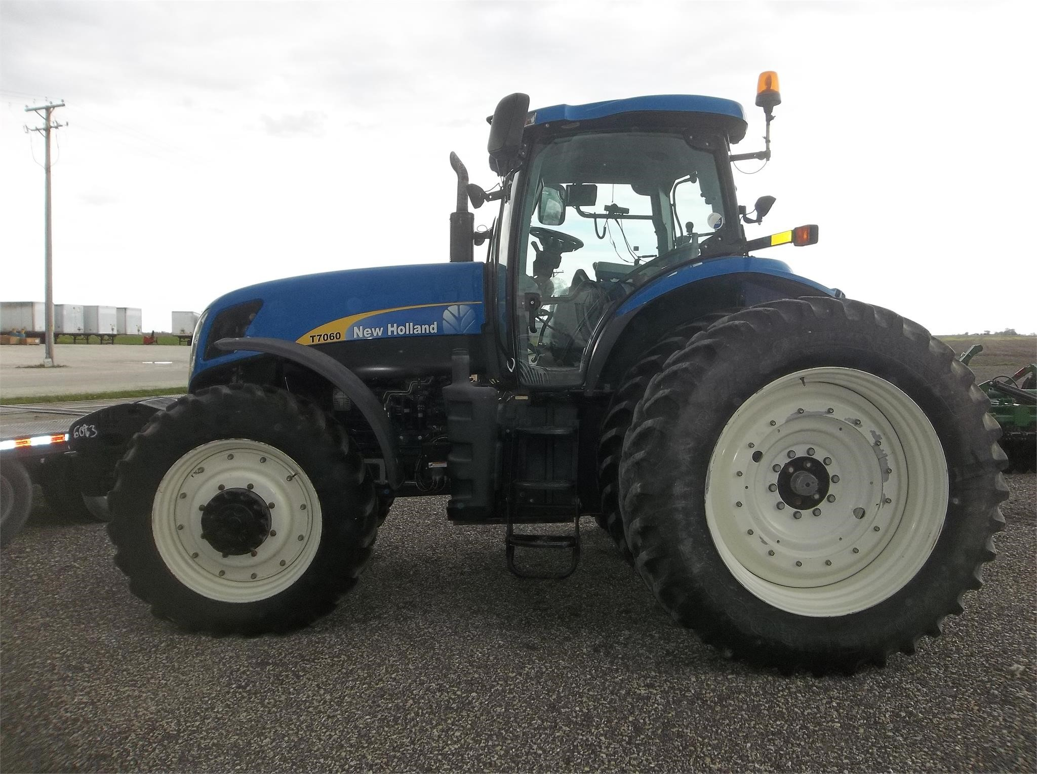 2009 New Holland T7060 Tractor