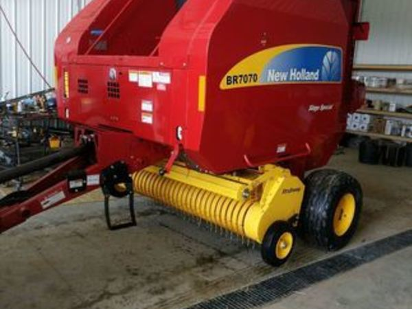 Used New Holland BR7070 Round Balers for Sale | Machinery Pete