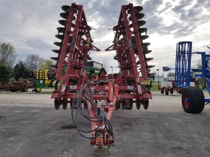 2011 Krause TL6200-24 Soil Finisher